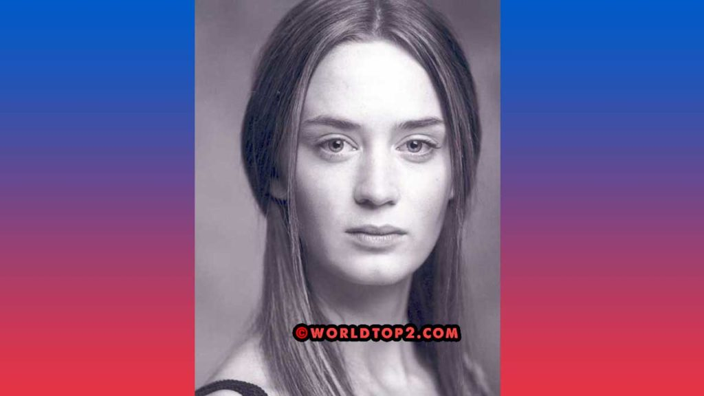 Emily blunt young photo