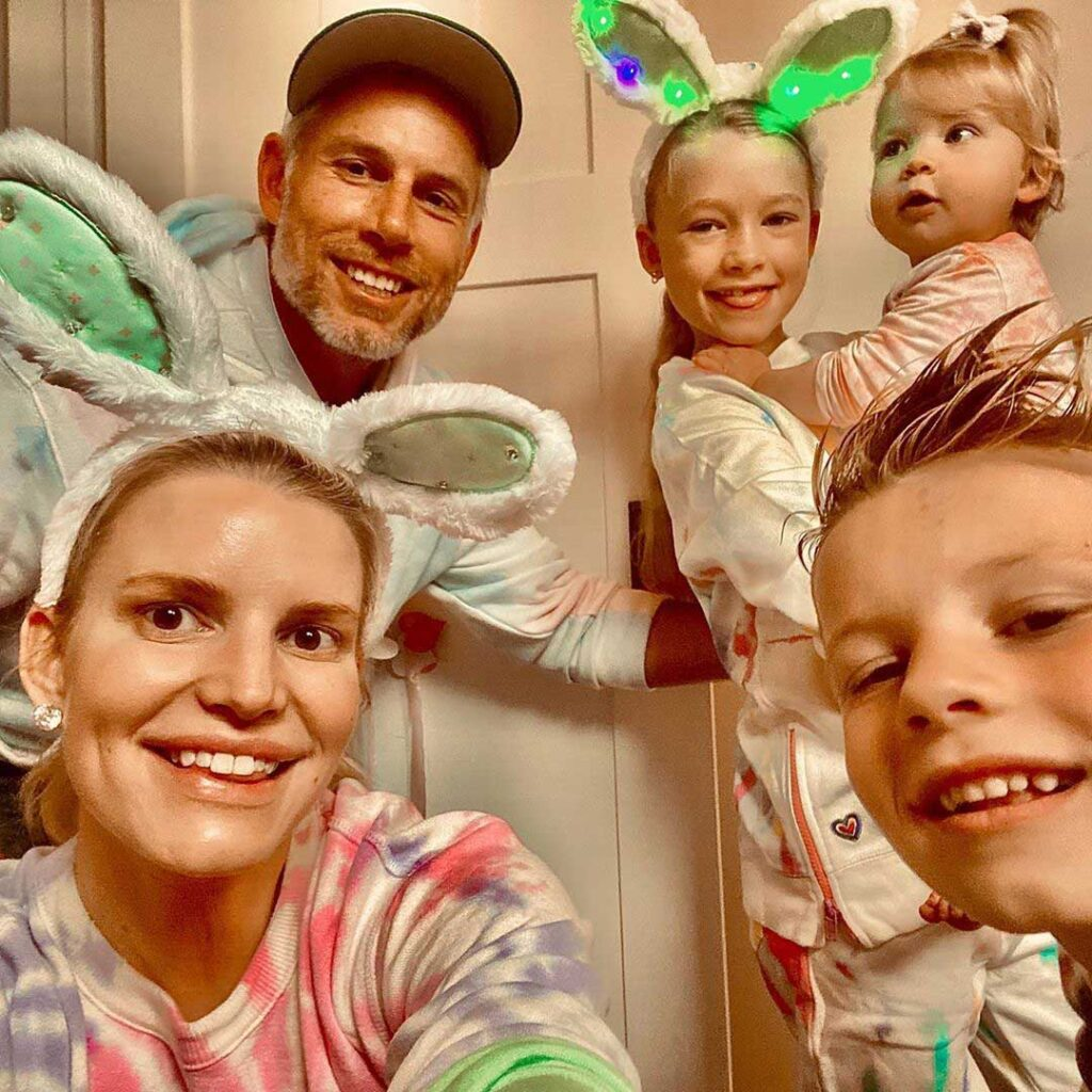 Jessica Simpson with her husband and children