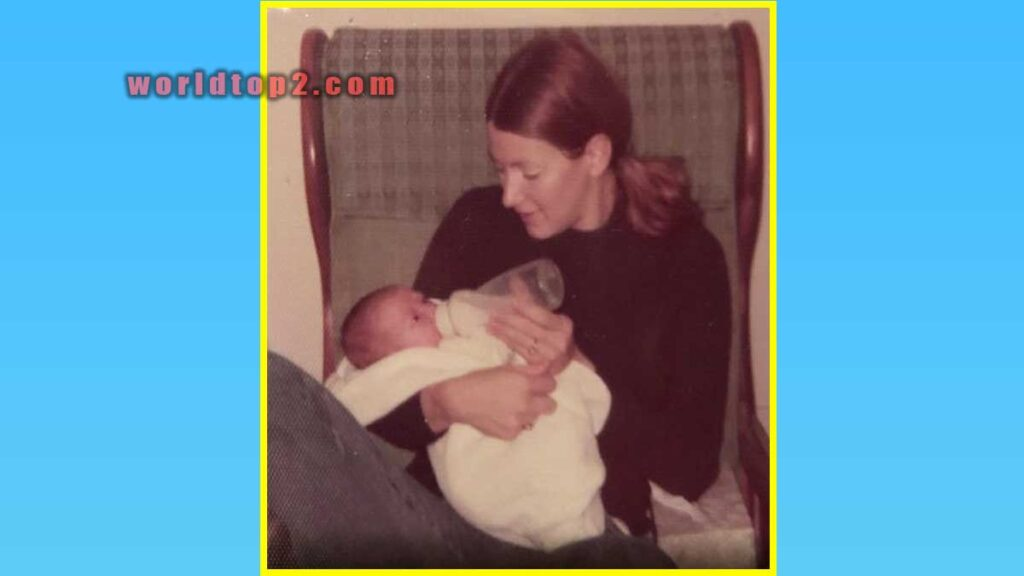 amanda martin with her mother when she was child